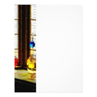 Bunte Flaschen im Drogerie-Fenster 21,6 X 27,9 Cm Flyer