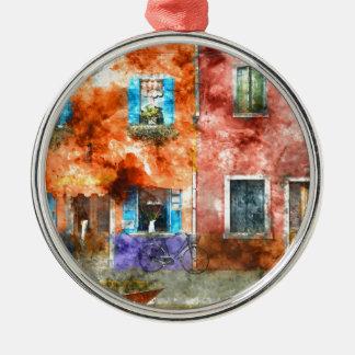 Bunte Häuser in Burano Italien nahe Venedig Rundes Silberfarbenes Ornament