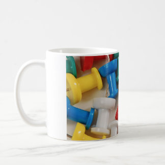 Bunte Plastikstoß-Buttone Tasse