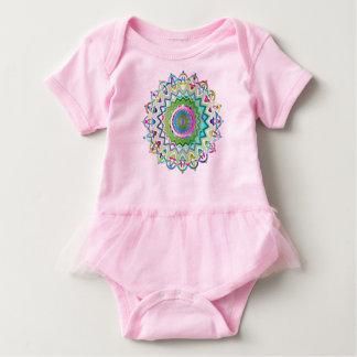 Bunte prismatische keltische Knoten Baby Strampler