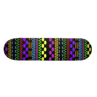Bunte Punkte Skateboardbrett