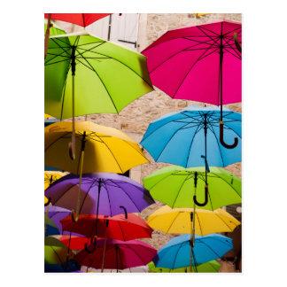 Bunte Regenschirme Postkarte