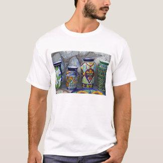 Bunte Tonwaren für Verkauf in im Stadtzentrum T-Shirt