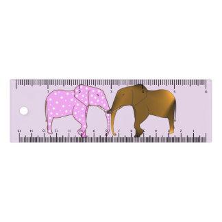 Bunte Tupfen und traditioneller Elefant-Machthaber Lineal