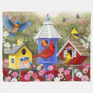 Bunte Vögel und Birdhouses Fleecedecke