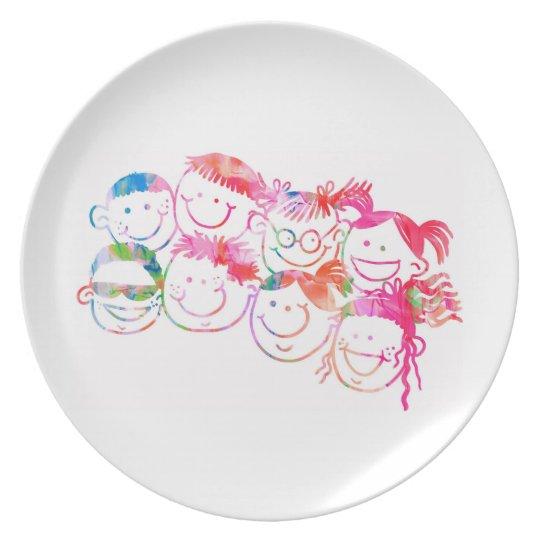 Bunte Wasserfarbe-Malerei Kinderdes lächelns Teller