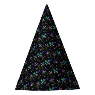 Bunte Weihnachtsschneeflocken auf Schwarzem Partyhütchen
