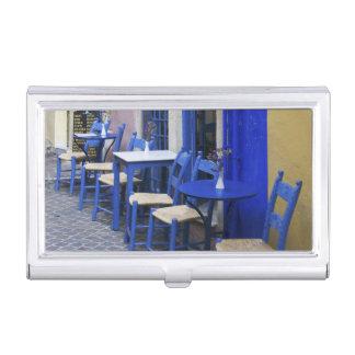 Bunter blauer Eingang und Abstellgleis zum alten Visitenkarten Dose