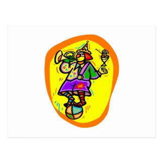 Bunter Clown auf Ball mit Horn u. Getränk Postkarte