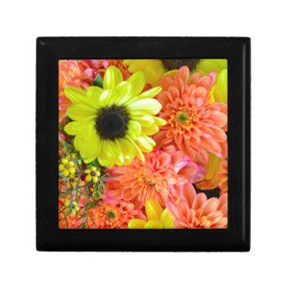 Bunter Sonnenblume- und Dahlie-Blumenstrauß Geschenkbox