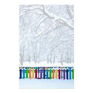 Bunter Winter-Zaun Briefpapier