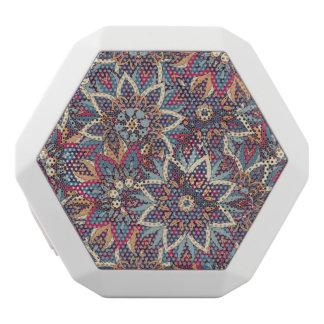 Buntes abstraktes ethnisches Blumenmandalamuster Weiße Bluetooth Lautsprecher