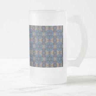 Buntes abstraktes ethnisches Blumenmandalamusterde Mattglas Bierglas