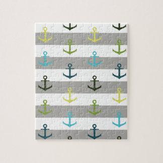 Buntes Ankermuster auf stripy Hintergrund Puzzle