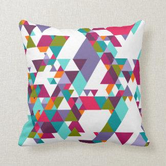 Buntes geometrisches Dreieckmuster Kissen