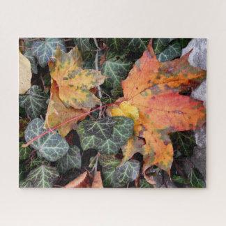 Buntes herbstliches Blätter Puzzle