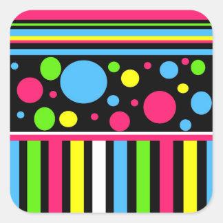 Buntes Neon Stripes Tupfen-rosa blaues Grün Quadratischer Aufkleber