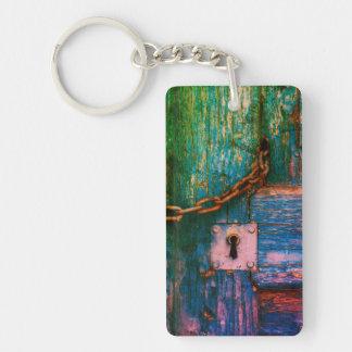 Buntes rustikales, hölzernes Tür keychain Schlüsselanhänger