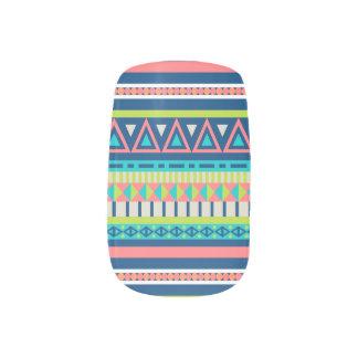 Buntes Stammes- abstraktes Muster Minx Nagelkunst