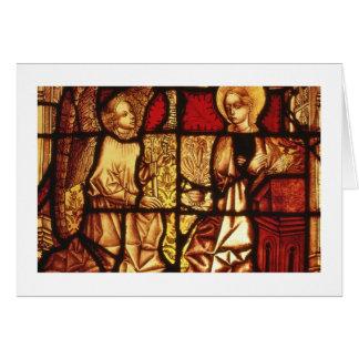 Buntglasfenster, welches die Ankündigung, G Karte