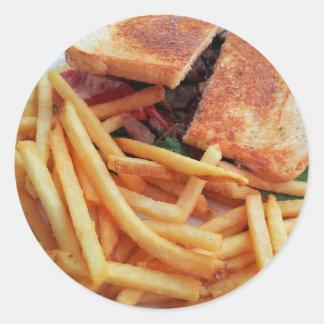 Burger-und Pommes-Fritesaufkleber Runder Aufkleber