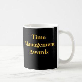Büro-praktischer Witz-Zeit-Management spricht Tasse
