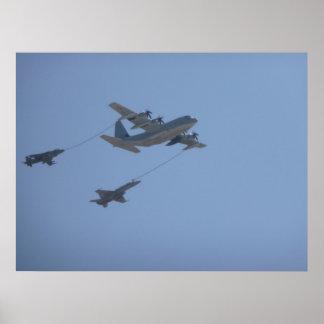 C-130 HERKULES Brennstoffaufnahme mittlerer Luft Poster