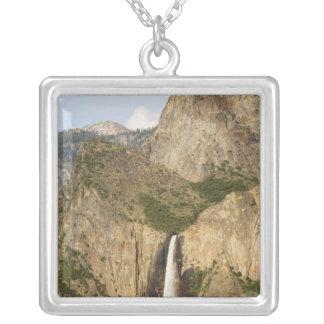 CA, Yosemite NP, Bridalveil Fälle Versilberte Kette