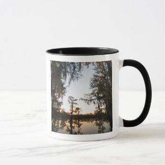 Caddo See am Sonnenaufgang Tasse
