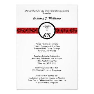 Caduceus-Krankenschwester-Abschluss laden schwarze Personalisierte Einladungskarte