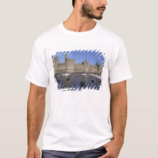 Caernarfon Schloss, Gwynedd, Wales (Rf) T-Shirt