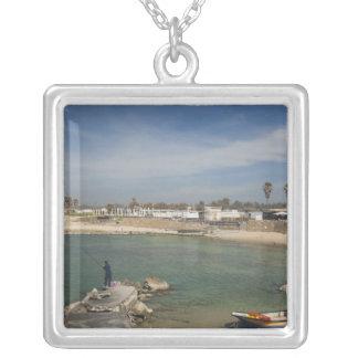 Caesarea-Ruinen des Hafens errichteten durch Herod Versilberte Kette