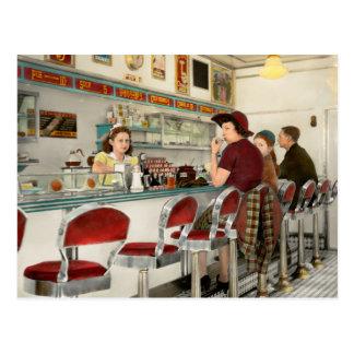 Café - der lokale Treffpunkt 1941 Postkarte