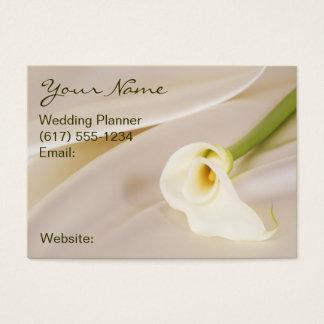 Calla-Lilie auf weißem Satin Visitenkarte
