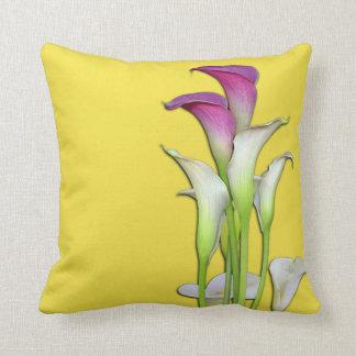 Calla-Lilien-Blumenstrauß-Gelb Kissen