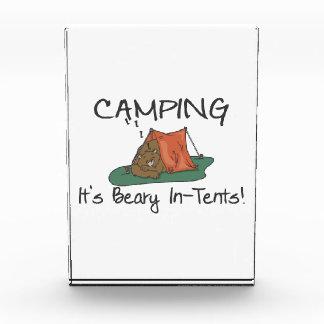 Camping ist Beary in den Zelten Acryl Auszeichnung