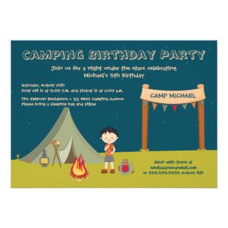 Campings-Geburtstags-Party Einladungen des Jungen