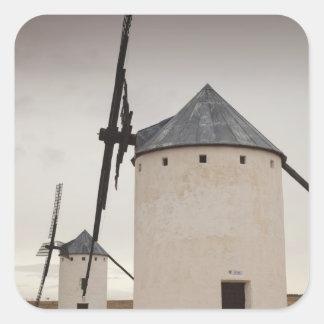 Campo de Criptana, antike La Mancha Windmühlen 5 Quadratischer Aufkleber