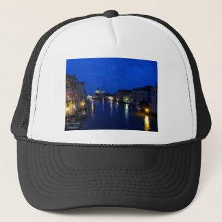 Canal Grande von Venedig bis zum Nacht Truckerkappe