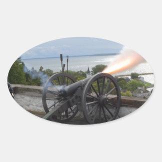 Canon-Abfeuern Ovaler Aufkleber