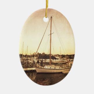 Cape Cod-Segelboot-Weihnachtsverzierung Ovales Keramik Ornament