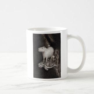 Capybara- und Dosenschildkrötefliegen durch Kaffeetasse