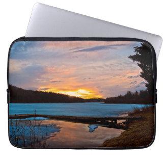 Cariboo Natur-Landscapesee-Sonnenuntergang Laptop Sleeve