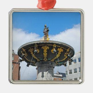 Caritas wohles Kopenhagen Dänemark Quadratisches Silberfarbenes Ornament