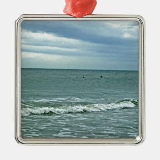 Carolina-Gezeiten, die entlang Sand rollen Silbernes Ornament