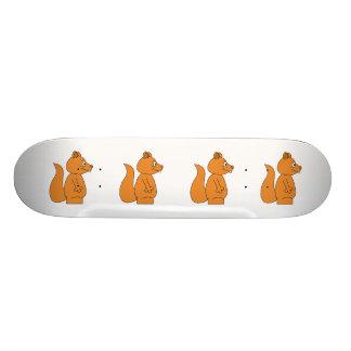 Cartoon eines roten Eichhörnchens Skate Board