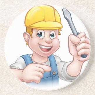 Cartoon-Elektriker, der Schraubenzieher hält Sandstein Untersetzer