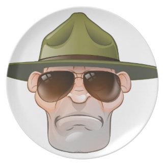 Cartoon-Förster oder Bohrgerät-Sergeant Teller