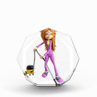 Cartoon-Frau, die ein Vakuum verwendet Acryl Auszeichnung