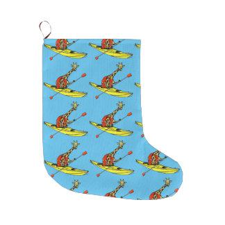 Cartoon-Giraffe in einem Seekajak Großer Weihnachtsstrumpf